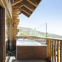 Built-in hot tub / rectangular / 2-seater / outdoor