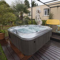 Above-ground hot tub / square / 5-seater / 4-seater
