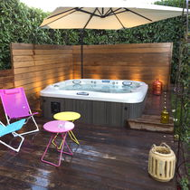 Above-ground hot tub / rectangular / 6-seater / 5-seater