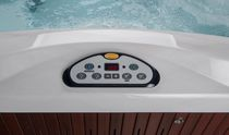 Above-ground hot tub / rectangular / 3-seater / indoor