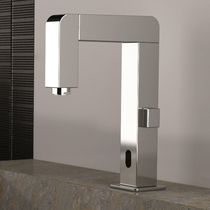 Washbasin mixer tap / chrome-plated brass / electronic / self-closing