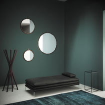 Wall-mounted mirror / contemporary / round / metal