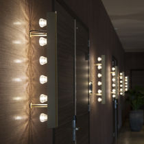 Contemporary wall light / anodized aluminum / LED / linear