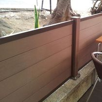 Wooden railing / with bars / outdoor / for patios