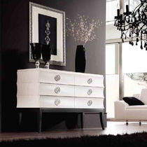 Chest of drawers with long legs / classic / lacquered wood / white