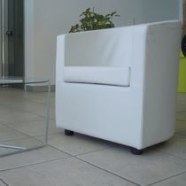 Contemporary armchair / fabric / for hotels