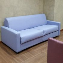 Contemporary sofa / leather / for hotels / 3-seater