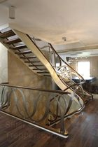 Helical staircase / wooden steps / wooden frame / without risers