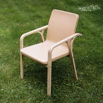 Contemporary chair / with armrests / beech / oak
