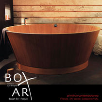 Free-standing bathtub / round / wooden / double