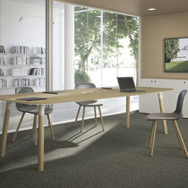 Contemporary boardroom table / oak / beech / rectangular