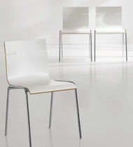 Contemporary visitor chair / molded plywood / leather / with armrests