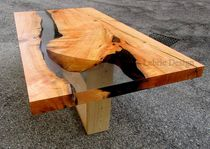 Dining table / contemporary / wooden / resin