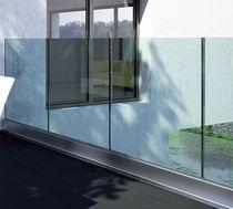 Glass windbreak panel / aluminum