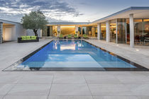 In-ground swimming pool / concrete / for hotels / perimeter overflow