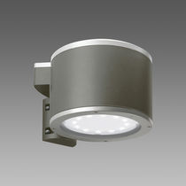 Contemporary wall light / outdoor / cast aluminum / tempered glass facing