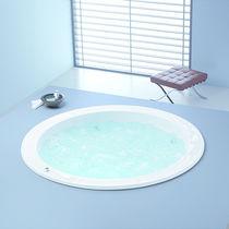 Freestanding bathtub / round / acrylic