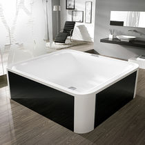 Free-standing bathtub / square / glass / acrylic