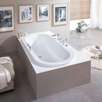 Oval bathtub / acrylic