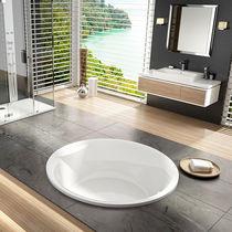 Round bathtub / acrylic