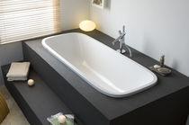 Wooden bathtub / acrylic