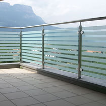 Stainless steel railing / glass panel / outdoor / for patios