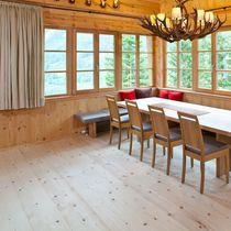Solid parquet flooring / glued / matte / strip