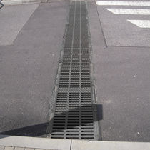 Public space drainage channel / fiber-reinforced concrete / with grating