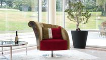 Classic armchair / fabric / swivel / central base