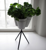Freestanding flower pot / other shapes