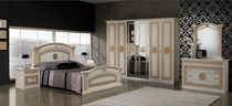 Traditional wardrobe / wooden / with hinged door / mirrored
