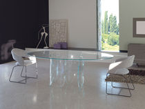 Contemporary dining table / glass / tempered glass / oval