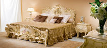 Double bed / classic / wooden / for hotel rooms