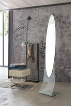 Free-standing mirror / contemporary / oval