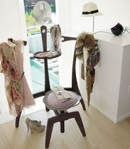 Floor-standing valet stand / traditional / wooden
