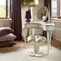Classic dressing table / wooden