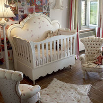Single bed / classic / baby / wooden