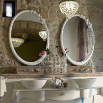 Wall-mounted bathroom mirror / classic / oval / wooden