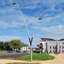Urban lamppost / contemporary / metal / LED