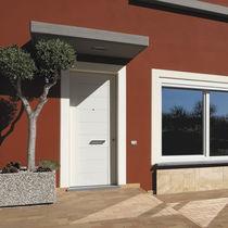 Entry door / swing / wooden / thermal break