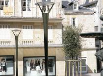 Urban lamppost / contemporary / aluminum / cast aluminum