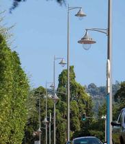 Urban lamppost / contemporary / aluminum / polycarbonate