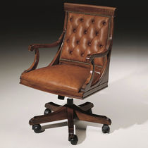 Traditional executive chair / leather / wooden / swivel