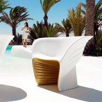 Organic design armchair / rotomolded polyethylene / garden / by Ross Lovegrove