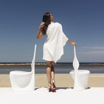 Organic design chair / rotomolded polyethylene / garden / by Ross Lovegrove