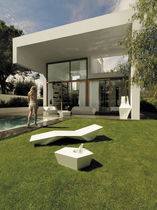 Original design sun lounger / polyethylene / garden / 100% recyclable