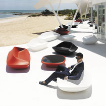 Contemporary sofa / garden / polyethylene / by Ora-Ïto