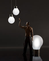 Floor-standing lamp / contemporary / polyethylene / garden