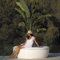 Polyethylene planter / round / contemporary