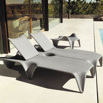 Original design lounge chair / polyethylene / garden / adjustable backrest